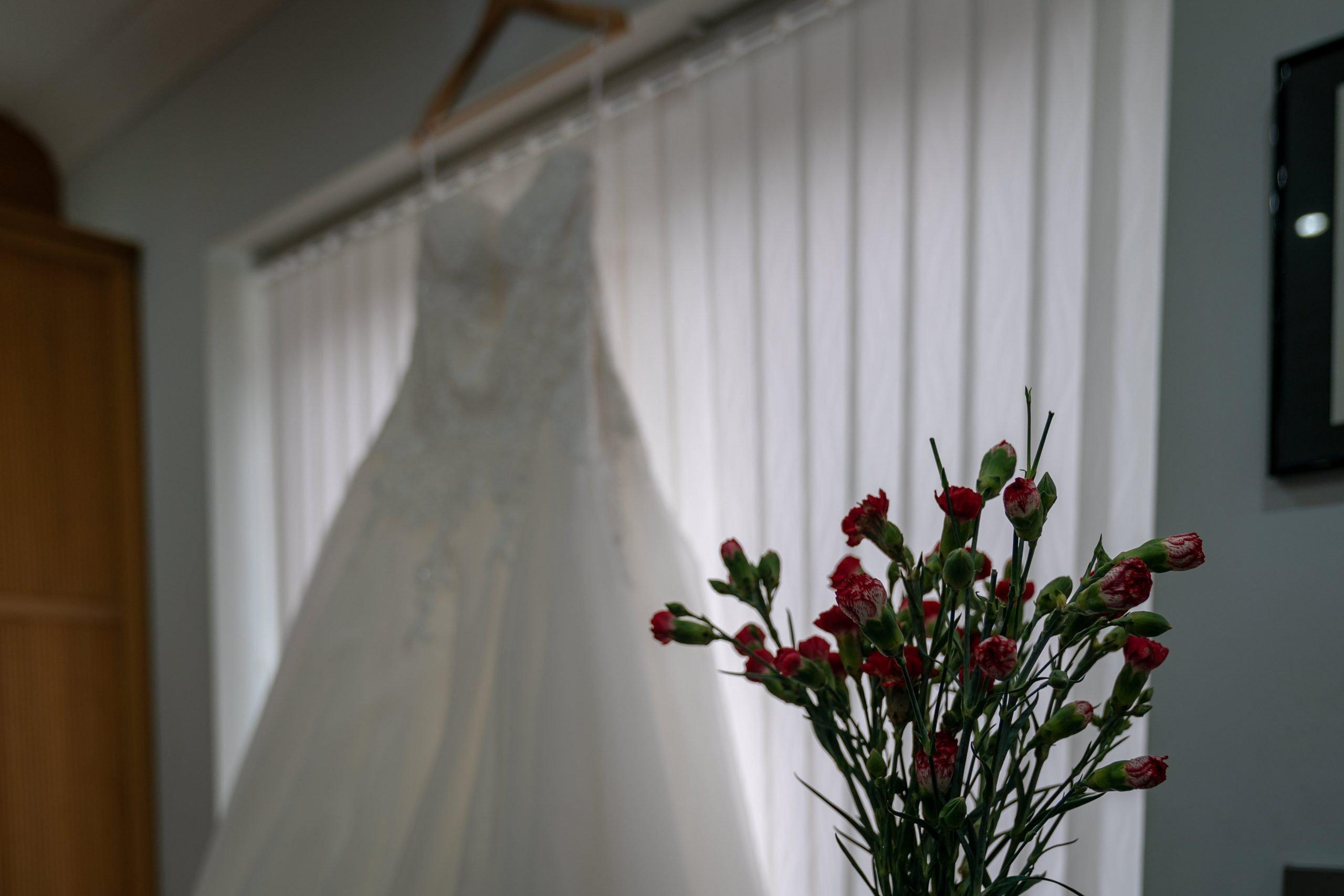 YFFUK Phil Endicott choosing your wedding dress