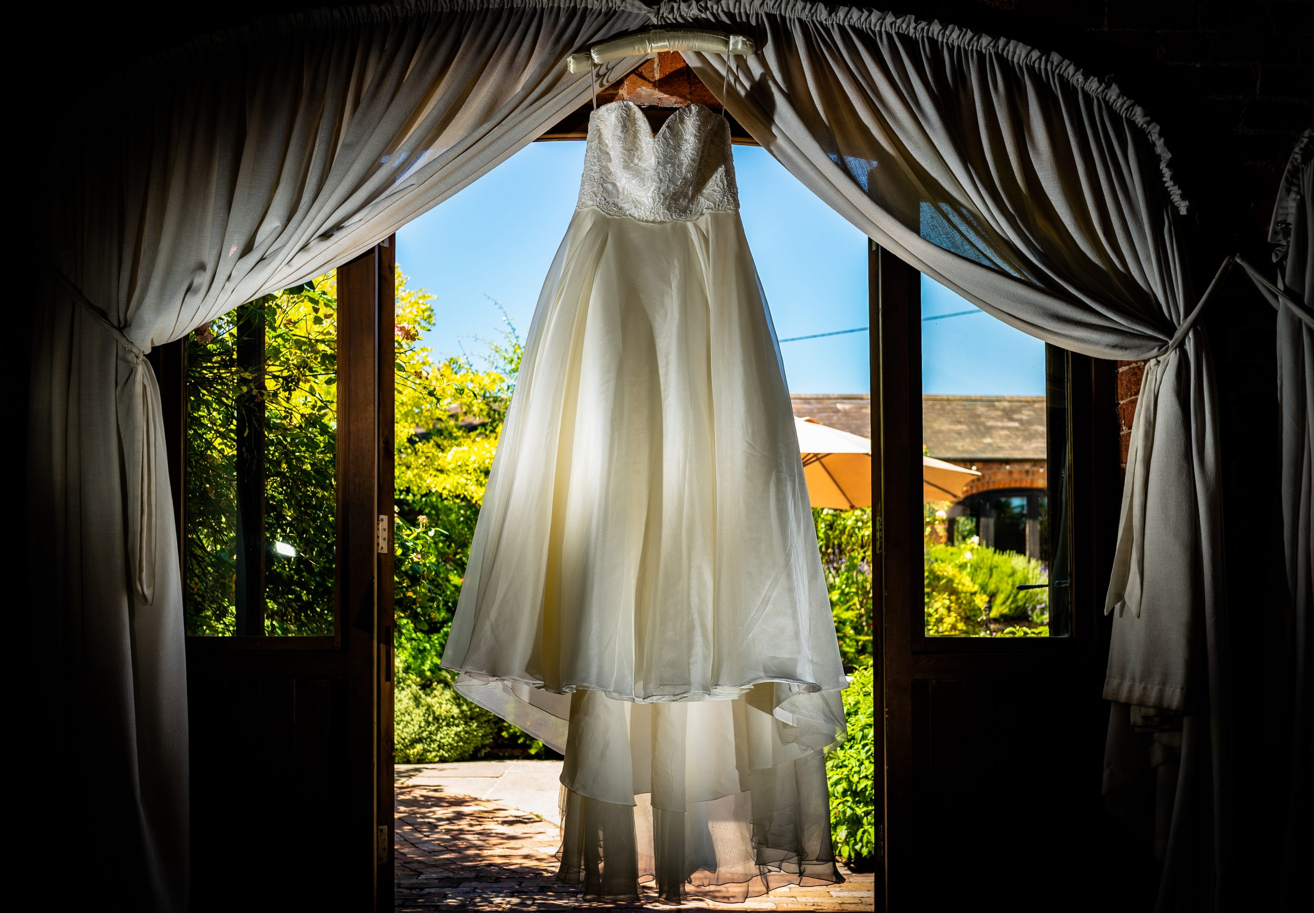 YFFUK Phil Endicott choosing your wedding dress Dodmoor House