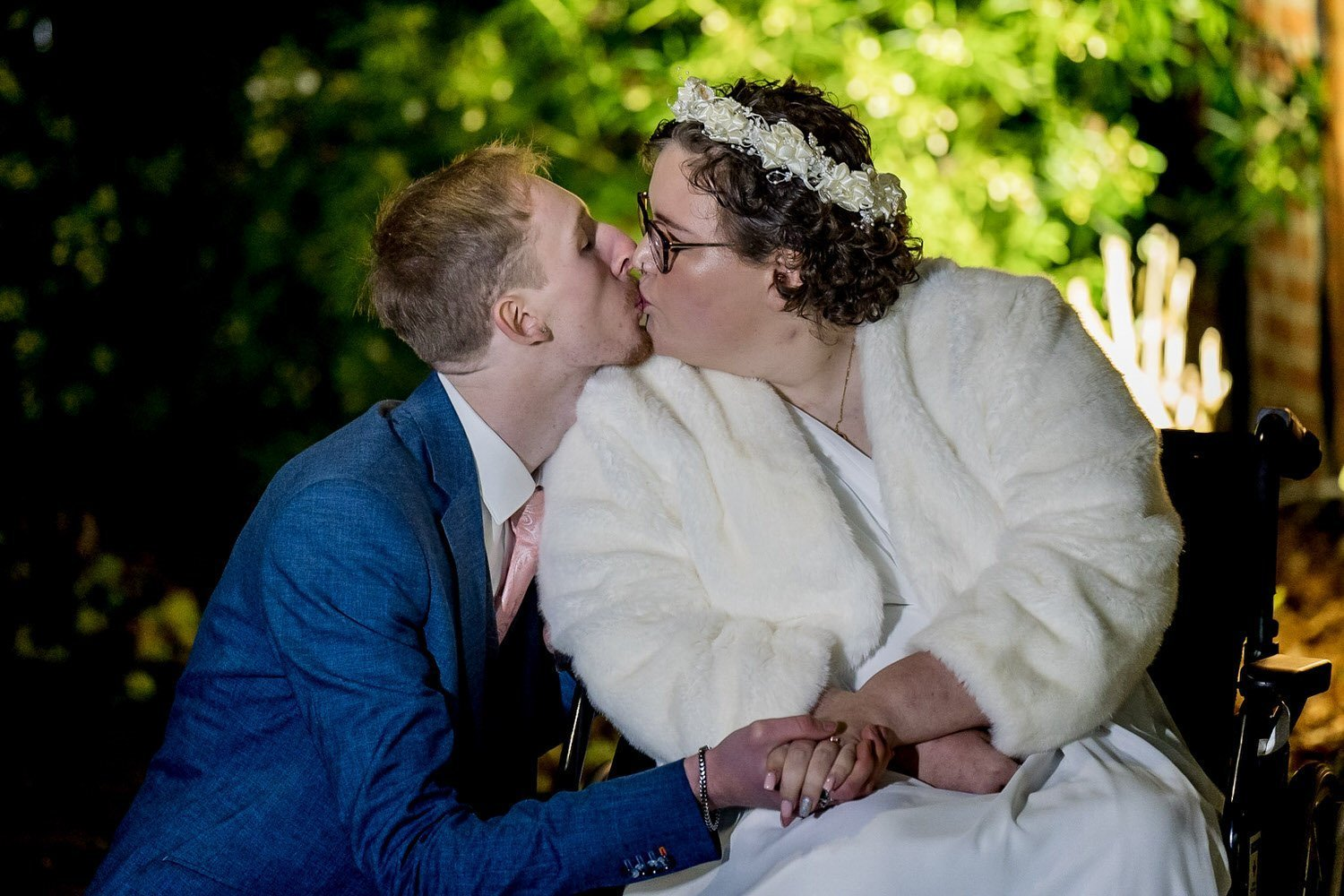 The Barns Hotel Bedford Wooten Weddings Photography Bride and groom sharing a kiss during couples photos