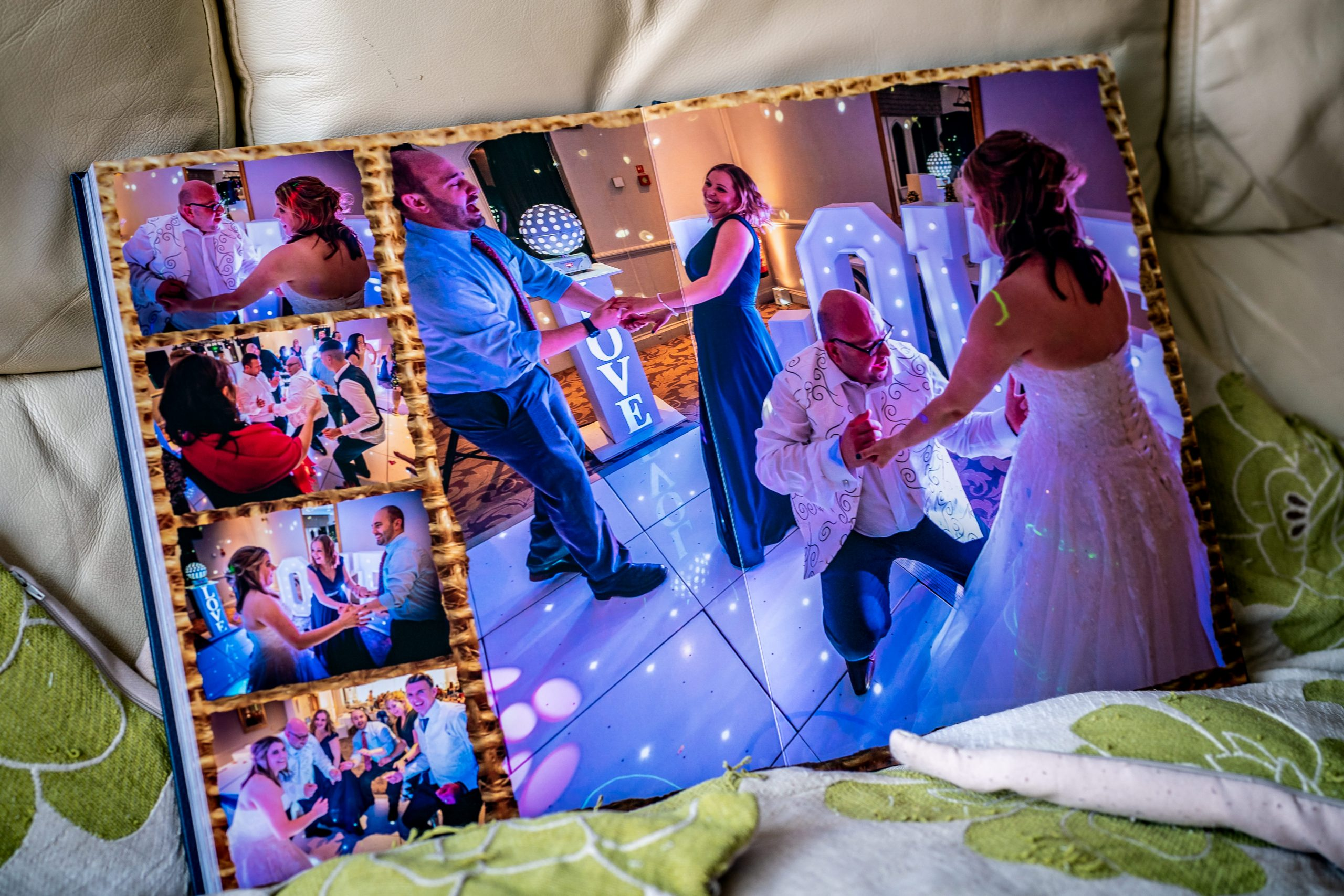 YFFUK-inside-your-wedding-album-100008