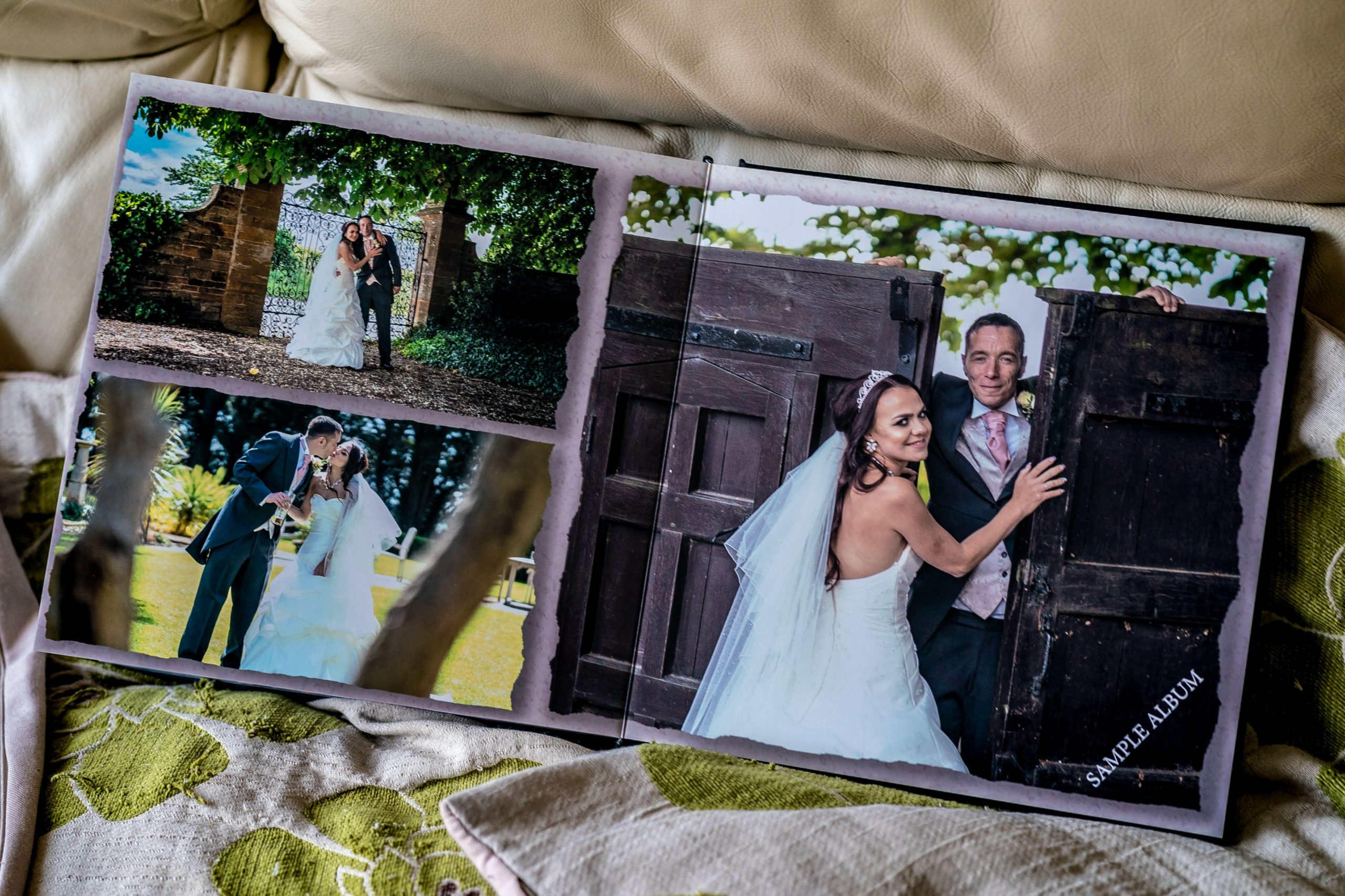 YFFUK-inside-your-wedding-album-100013