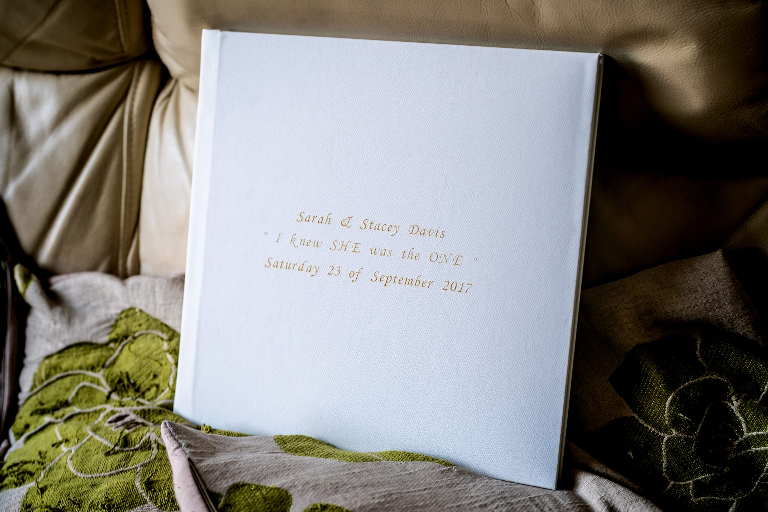 YFFUK-inside-your-wedding-album-100018